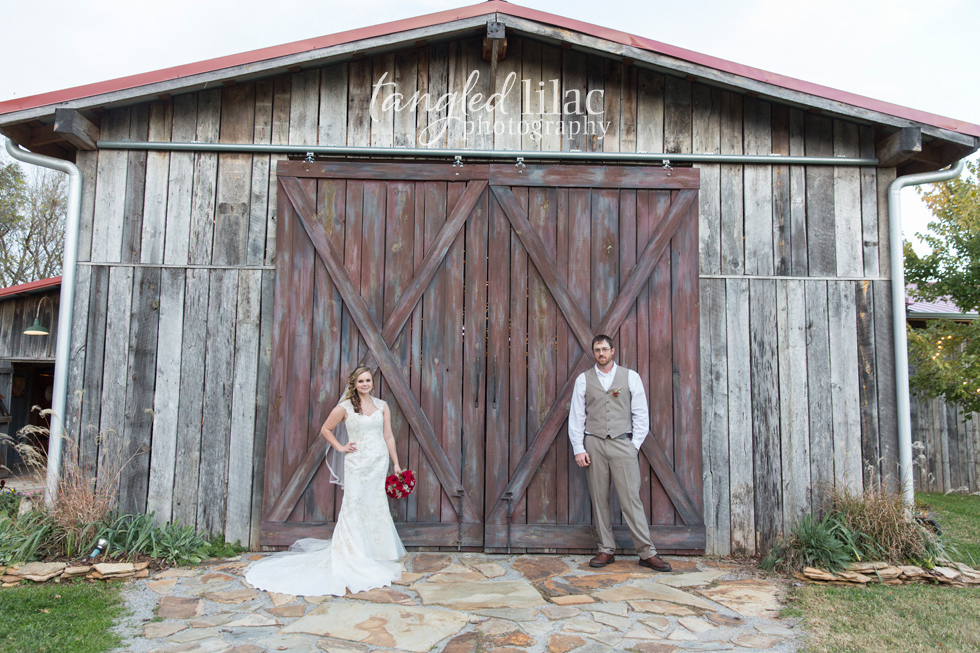 016-rustic-barn-wedding
