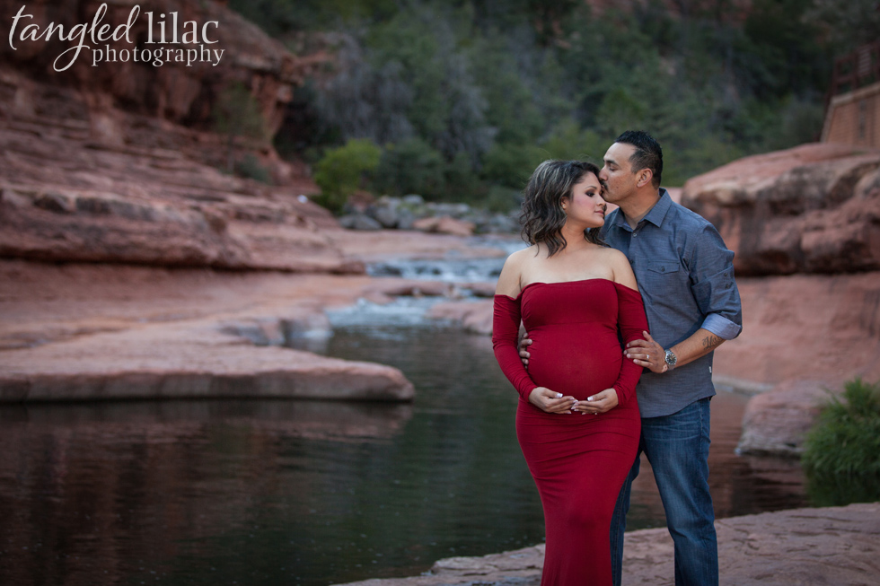 038-sedona-maternity-slide-rock